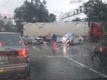 Aculiecinieka video: Avārija uz Ulmaņa un Vienības gatves