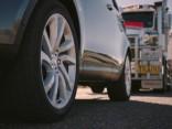 Jaunajam Land Rover Discovery pa spēkam pat 110 tonnas smaga «piekabe»