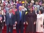 Donalds Tramps sācis vizīti Dienvidkorejā