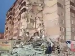 Krievijā daļēji sabrukusi deviņstāvu dzīvojamā māja