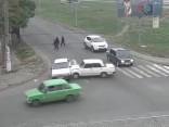"""Три машины """"Жигули"""" в одной аварии"""