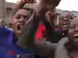 Mugabe atkāpies no Zimbabves prezidenta amata; iedzīvotāji līksmo