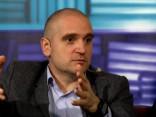 """Eksperts: Zolitūdes traģēdija rāda, ka arī Latvijā jāievieš """"pret domino sabrukšanas norma"""" būvniecībā"""