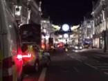 «Melnās piektdienas» vakarā panika Londonas centrā