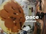 Astronauti kosmosā sarīkojuši vērienīgu picu ballīti