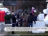Dobelnieki meklē Ziemassvētku vecīša cimdiņu un tirgus laukumā iededz lielo egli