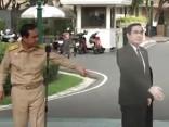 Taizemē uz žurnālistu jautājumiem atbild kartona premjerministrs