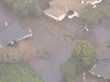 Dubļu straumes Kalifornijā noposta mājas; 13 cilvēki gājuši bojā