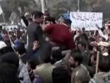 Pakistānā sākas protesti pēc mazas meitenes izvarošanas un slepkavības