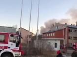 Lielvārdē šodien aizdegusies bijusī ražotne un ugunsgrēka dzēšanā iesaistīti plaši glābēju spēki
