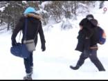 Migranti pār Alpiem dodas no Itālijas uz Franciju