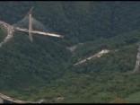 Sabrūkot tiltam, Kolumbijā gājuši bojā vismaz desmit cilvēki