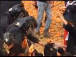 Itālijā aizvadītas ikgadējās apelsīnu kaujas