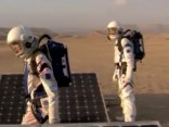 """Seši astronauti veiksmīgi atgriezušies no misijas uz """"viltus"""" Marsa"""