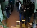 Dusmīgu jauniešu bars Dagestānā rada apjukumu vēlēšanu iecirknī