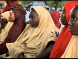 «Boko Haram» Nigērijā atbrīvo vairāk nekā 100 nolaupītās skolnieces