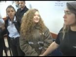 Izraēlas karavīrus iekaustījušajai palestīniešu pusaudzei piespriež astoņu mēnešu cietumsodu