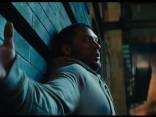 """Toms Hārdijs jaunākajā filmas """"Venom"""" kino rullītī"""