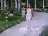 Kāzu kleitu šovs ar pasaulslavenām modelēm
