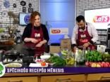 Ieva Strode gatavo vistu šķiņķīšus kivi marinādē