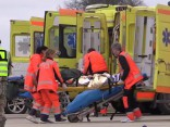 Noskaties, kā vērienīgākajās NBS mācībās pārbauda operatīvo dienestu sadarbību lidmašīnas katastrofas gadījumā