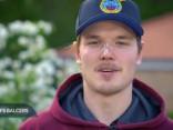 Latvijas izlases hokejisti sveic māmiņdienā