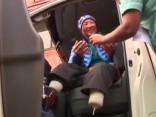 No Everesta virsotnes atgriezes alpīnists, kam amputētas abas kājas