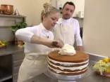 Prinča Harija un Meganas Mārklas kāzu torte
