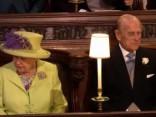 Karaliene Elizabete II ierodas kāzu vietā
