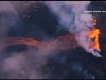 Havaju salu vulkāna lava pietuvojas bīstami tuvu elektrostacijai