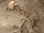 Peru atrasti 56 dieviem upurētu bērnu skeleti