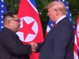 Tramps un Kims: Vēsturiskais rokasspiediens