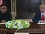 Tramps un Kims samitā paraksta kopīgu dokumentu