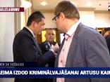 Kaimiņu aiztur KNAB, deputāts Ivars Zariņš pēdējā brīdī viņam izpalīdz ar advokāta Saulveža Vārpiņa telefona numuru