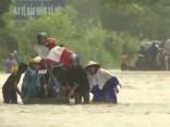 Vjetnamā plūdos vismaz deviņi bojāgājušie; 12 bezvēsts pazudušo
