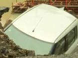 Plūdi Indijā izraisījuši milzu postījumus