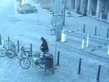 Policists pie Rīgas domes noķer velosipēda zagli