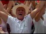 Spānijā sākas ikgadējais Pamplonas vēršu skrējienu festivāls