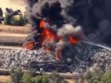 ASV Kolorado štatā deg milzu atkritumu novietne