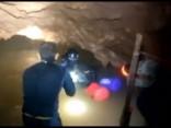 Noskaties: Taizemē alās iesprostoto jauniešu glābšanas operācija