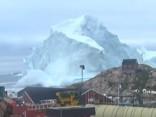 Aisbergs Grenlandes piekrastē