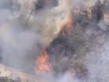 ASV Kalifornijas štatā turpina plosīties plaši savvaļas ugunsgrēki