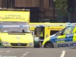 Londonā barjerās pie parlamenta ēkas ietriekusies automašīna; ir ievainotie